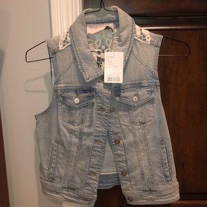 Never worn Anthropologie Jean vest!